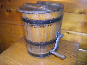 Vintage Wooden Butter Churn / Nice Primitive Churn