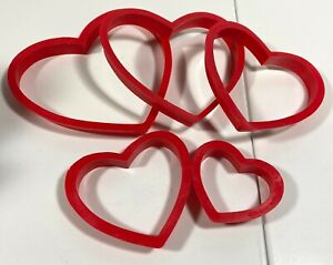 """Wilton Nesting Heart Cookie Cutters Red Plastic Set of 5 Sizes 2"""" to 4"""""""