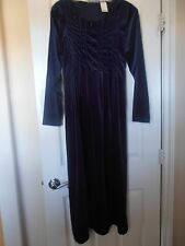 Womens JR  crushed Velvet Old Fashioned Dress Size M Cute and Warm