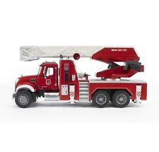 BRUDER 02821 Mack Granite Autopompa pompieri - Scala 1:16