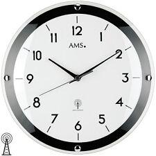 NEU schicke Wanduhr Uhr Funk Funkuhr schwarz weiß AMS Ø 31 cm Büro Business