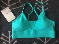 Lorna Jane Size M Gorgeous Green Colored Vent Sports Bra BNWT!!!