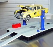 Hydraulic Operating 2 Post Garage Lift 1/24 Scale G Scale Diorama Accessory
