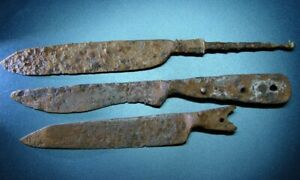 ANCIENT KNIVES. IRON. ORIGINAL