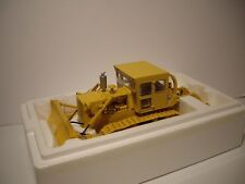 FIRST GEAR 1/25 INTERNATIONAL HARVESTER YELLOW TD25 TRACK-TYPE DOZER