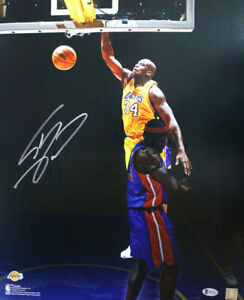 Shaquille O'Neal Autographed Los Angeles Lakers 16x20 Photo BAS 28350 PF
