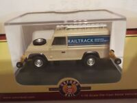 Land Rover Defender 110 - Railtrack Fitted for Road-Rail  Oxford Diecast 1/76 Ne