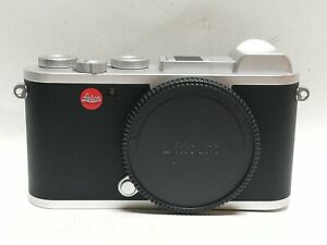 Leica CL Mirrorless Digital Camera (Body Only, Silver Anodized) excellent cond