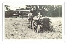 Nostalgia Postcard Land Girls Harvesting Oats 1939 WW2, Reproduction Card NS58