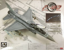 AFV Club - 1/32 RSAF F-16D Block 52+ Model Kit - AR32S02
