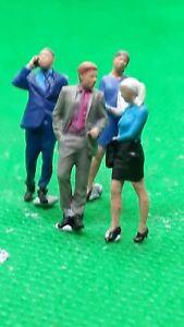 Scale 3D 00 gauge figures  handpainted men and women x 4 office workers