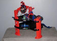 Grand Circuit/Garage +  Voitures + 1 Figurines SPIDERMAN