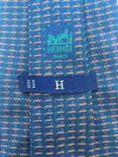 HERMÈS Paris -H- Krawatte H Tie Cravate. 523 IA 100% Seide. Blau Grün Rost-Rot