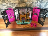 Monster High 13 Wishes Party Lounge Playset Works Mattel