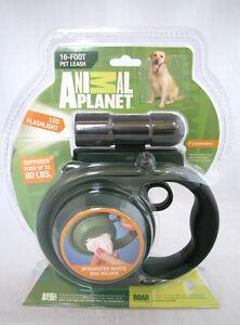 ANIMAL PLANET GREEN RETRACTABLE DOG 16 FT LEASH+LED FLASHLIGHT+WASTE BAG HOLDER