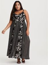 $89 TORRID  (4-4X  26) Runway Collection Black floral chiffon maxi dress Crochet