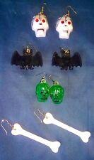 4 SETS Vintage HALLOWEEN EARRINGS Novelty PARTY Plastic SKULLS Bats BONES