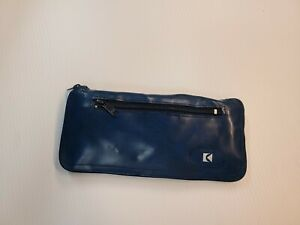 CANADIAN PACIFIC AIRLINES - SMALL FOLDING BAG. SIZE 17 X 10 X 9 INCHES. (BLUE)