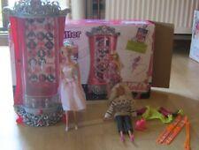 LOT BARBIE armoire glitter + poupées et accessoires