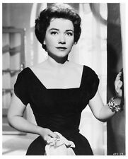 ANNE BAXTER character still CHASE A CROOKED SHADOW - (y066)