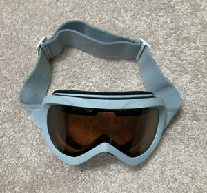 Giro Verse Ski and Snowboard Goggles White/Gray Adjustable Amber Lens
