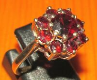 VINTAGE 9ct YELLOW GOLD MULTI GARNET ROUND CLUSTER RING SIZE M