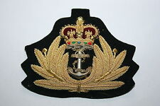 BRITISH ROYAL NAVY OFFICER'S CURRENT ISSUE VISOR CAP BULLION WIRE BADGE QC