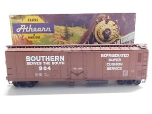 HO Scale - Athearn - Southern Railway 50' Reefer Box Car Train #904