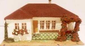 Alter Winkelbungalow Nr. 264 von Faller aus den 50er Jahren