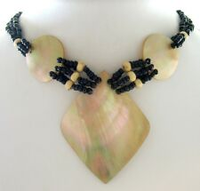 ELEGANT 3 PIECES MOTHER-OF-PEARL BEADS Necklace ; DA054