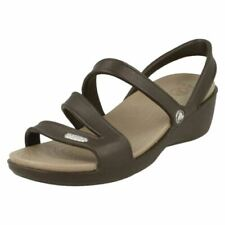 Sandali e scarpe Crocs marrone per il mare da donna