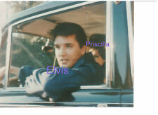 ELVIS PRESLEY WITH PRISCILLA IN CAR GRACELAND LATE 1960s 8x10 PHOTO CANDID