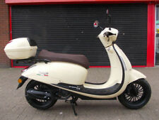Case/Topcase 75 to 224 cc Scooters