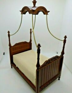 Dollhouse Miniature Victorian Canopy Bed in Mahogany by JBM