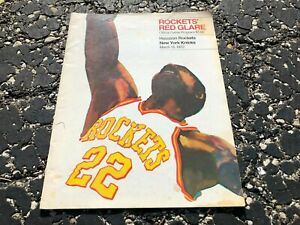 MARCH 16 1972 NBA basketball program - HOUSTON ROCKETS vs NEW YORK KNICKS