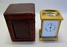 Latón antiguo entubado Carro Reloj Con Estuche De Viaje