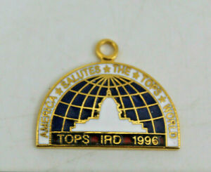 Tops IRD 1996 America Salutes The World Collectible Pendant Necklace Vintage