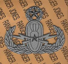 US Army EOD Explosive Ordnance Disposal Master Bomb crab jacket patch
