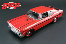 GMP  1970 Chevrolet Nova Yenko Deuce Hard Top+Bonus 1:18 greenlight display case