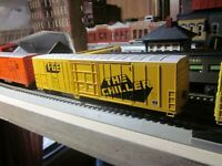 FGE  EXPRESS REFRIGERATED MECHANICAL REEFER 60 ' ATHEARN 1/87 HO RTR THE CHILLER