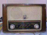VINTAGE VÁLVULA RADIO MINERVA  Perfect 546W  PARA  RESTAURAR 1953