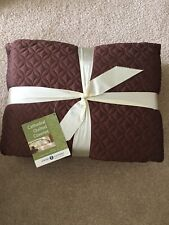 King Quilted Coverlet With Shams