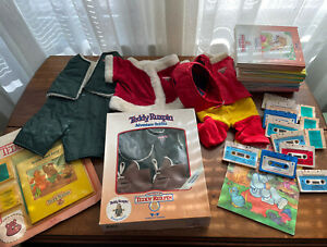 Lot Teddy Ruxpin Vintage 19 Books & 13 Tapes 4 Outfits 1 Coloring Book
