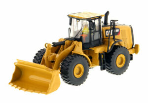 Diecast Masters Caterpillar 1:87 966M Wheel Loader 85948