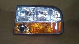 98-05 BLAZER JIMMY BREVADA LH DRIVER SIDE HEADLIGHT W/ INTEGRAL FOG LIGHTS NEW