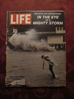 LIFE September 22 1961 Sept Sep 9/22/61 Idlewild Eero Saarinen Hurricane Carla