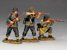 KING & COUNTRY LUFTWAFFE LW022 3 PIECE FIELD DIVISION ATTACK SET MIB