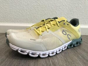 On Cloud Mens Cloudflow Running / Training Shoes Size 10 - Yellow (Lightly Used)