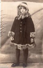 BJ266 Carte Photo vintage card RPPC Enfant jeune fille manteau fourrure