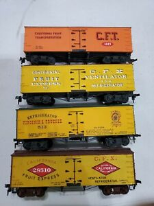 Roundhouse Virginia & Truckee/California Old Time Reefers (4)(HO)(Used)